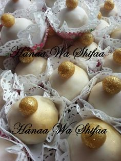 White and gold Mkhabaz