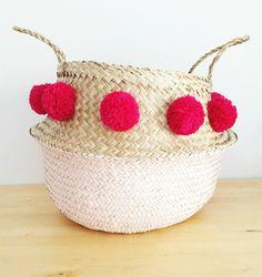 pink pom-pom sea grass belly basket