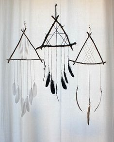 by boudoir du chaman dream catcher craft, feather dream Diy And Crafts, Crafts For Kids, Arts And Crafts, Cork Crafts, Summer Crafts, Los Dreamcatchers, Beautiful Dream Catchers, Craft Projects, Projects To Try