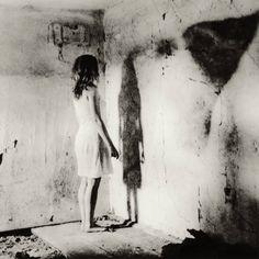 Watch your shadow - by Alicja Pietras (1975), Polish