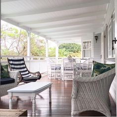White ceilings and railings complements to deck Sandstone Wall, Outside Room, Dream Beach Houses, Back Deck, White Ceiling, Beautiful Homes, Outdoor Living, Railings, Balconies