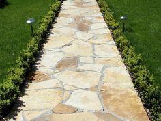 4 полезных совета по обеспечению стока дождевой воды с садовой дорожки