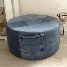 DIY jeans Diy Old Jeans, Recycle Jeans, Upcycle, Repurposed, Diys, Ottoman, Sewing Projects, Crafting, Quilts