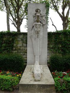 CHARMOY, José de (1879-1914) - cénotaphe de Baudelaire. Cimetière Montparnasse - Paris 14