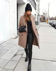 City Outfits, Winter Fashion Outfits, Look Fashion, Autumn Fashion, Womens Fashion, Women Fall Outfits, Modern Fashion Outfits, Fashion Coat, Jackets Fashion