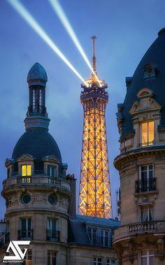 Laser | Tour Eiffel, Paris, France (HDR) Inspiration : Raph… | Flickr - Photo Sharing!