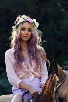 tips of hair dyed blonde & tips of hair dyed ; tips of hair dyed pink ; tips of hair dyed blue ; tips of hair dyed purple ; tips of hair dyed red ; tips of hair dyed blonde ; tips of hair dyed brown Purple Dip Dye, Hair Color Purple, Purple Ombre, New Hair Colors, Purple Tips, Ombre Colour, Pastel Purple, Dyed Tips, Hair Dye Tips