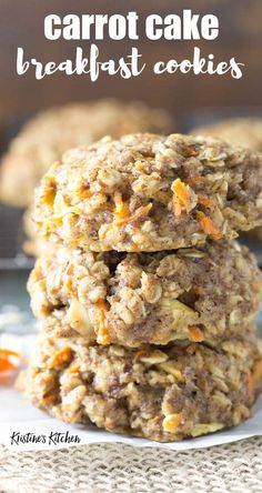 This easy oatmeal breakfast cookie recipe… Healthy carrot cake breakfast cookies! This easy oatmeal breakfast cookie recipe makes soft breakfast cookies that are full of carrot, apple, spices and oats. Healthy Carrot Cakes, Healthy Cookies, Healthy Desserts, Healthy Cookie Recipes, Carrot Recipes, Carrot Ideas, Cold Desserts, Healthy Foods, Oatmeal Breakfast Cookies