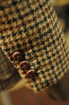 Harris Tweed Sport Coat with Functioning Buttonholes. Harris Tweed, Sharp Dressed Man, Well Dressed, Ivy League Style, Tweed Run, Classic Style, My Style, Gentleman Style, Gentleman Fashion
