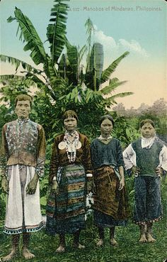 Man and Three Women in Costume Near Banana Trees n. Philippines People, Philippines Culture, Old Photos, Vintage Photos, Filipino Culture, Filipiniana, Cultural Diversity, National Museum, World Cultures