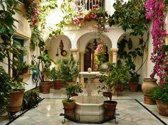 Spanish style homes – Mediterranean Home Decor Spanish Courtyard, Spanish Garden, Courtyard House, Mexican Courtyard, Spanish Style Homes, Spanish House, Spanish Style Decor, Casa Patio, Backyard Patio
