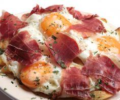 Huevos con jamón al microondas   Estuches y moldes Lekue a la venta aquí: http://www.cornergp.com/?cat=183