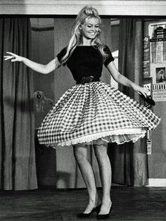 Brigitte Bardot ♡ www.theworlddances.com/ #throwback #dance