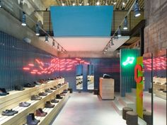 For its newest Together store in Bologna, Camper teamed with designer Isabel Lopez Vilalta to create a Mediterranean-inspired space that harmonizes past and present. Shoe Store Design, Shoe Shop, Isabel Lopez, Camper Store, Restaurant Concept, Architecture Magazines, Retail Interior, Retail Space, Retail Shop