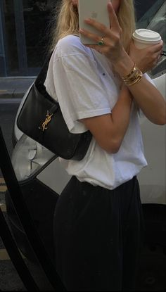 Ladies Gents, Ysl Bag, Vintage Couture, College Outfits, Fall Looks, Fashion Details, Casual Looks, Louis Vuitton Monogram, Fitspo