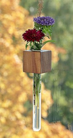 Dyi Crafts, Wooden Crafts, Test Tube Crafts, Garden Shelves, Hanging Flower Wall, Small Wood Projects, Diy Plant Stand, Flower Holder, Wood Vase