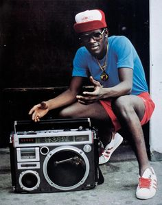 As a teenage photographer in early East Flatbush, Brooklyn, Jamel Shabazz set out to document the then nascent movement of hip-hop. Mode Hip Hop, 80s Hip Hop, Hip Hop Rap, Boombox, Street Culture, Pop Culture, Adidas Superstar, Martha Cooper, Mode Old School