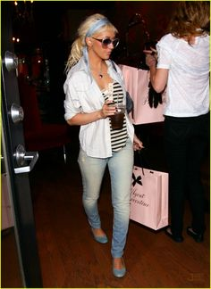 Like Christina's style here, down to my favorite store's shopping bag ♥