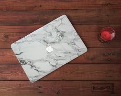 These Macbook Hard Plastic Cases are for ALL models. - BEFORE YOU PLEACE YOUR ORDER - *Please check you have selected to right model. You can double check to see what model Macbook you have here: https://support.apple.com/en-gb/HT201608 If you need help, message us. We will be happy to give you a hand :)*   These Macbook Cases are printed on high quality clear hard plastic.  The case is in 2 parts.  The top case is printed in your design choice, with or without the Apple. If you choose with…