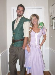 13 Disney Couples' Costumes for Halloween via Brit + Co. Ahhh this is too perfect! 😀 13 Disney Couples' Costumes for Halloween via Brit + Co. Ahhh this is too perfect! Cute Couple Halloween Costumes, Hallowen Costume, Halloween Costume Contest, Halloween Kostüm, Halloween Cosplay, Halloween Outfits, 90s Costume, Couple Costume Ideas, Rapunzel Halloween Costume