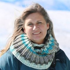 Glacier Cowl: FREE crochet pattern byJeanne Steinhilber - The Crochet Crowd