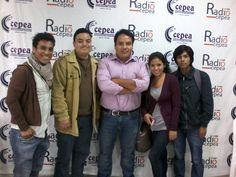 Con Juan Alberto Moreno, comunicador, community manager y gestor de Social Media Academy (Escuela de Redes Sociales), junto al equipo de Radio Cepea. (2015)