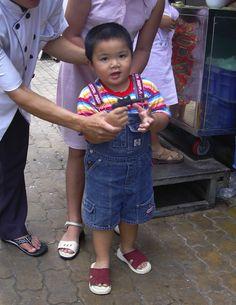 ベトナム、ホーチミン(2004年)  経済発展と共に肥満が問題に。