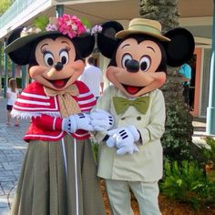 Great outfits Mickey and Minnie!