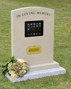 臺灣殯葬資訊網-英發明iTomb科技墓碑 有人墓前致意即自動播放影片