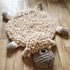 Crochet mat Pattern The lamb mat gift idea image 5 Big Knit Blanket, Knitted Blankets, Merino Wool Blanket, Yarn Projects, Crochet Projects, Arm Crocheting, Big Yarn, Crochet Mat, Finger Crochet