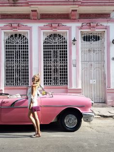 Havana makes me feel like... - Read the ultimate travel guide here: http://www.ohhcouture.com/2016/08/havana-travelguide/ #ohhcouture #leoniehanne