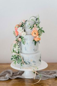 Spring wedding ideas–Dusty blue marble wedding cake adorned with florals and greenery, elegant wedding theme, boho chic country wedding ideas - Nakedkenny Wedding Desserts, Wedding Cupcakes, Wedding Cake Toppers, Wedding Cake Display, Diy Wedding Cake, Wedding Favors, Wedding Events, Floral Wedding Cakes, Wedding Cake Designs