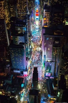 Beautiful Aerial View of New York City Times Square ~ Manhattan, New York Cool Places To Visit, Places To Go, Photo New York, New York City, Times Square, Ville New York, Voyage New York, Dream City, New York Travel