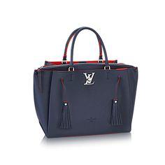 cdc9b4fa7b 125 meilleures images du tableau Sacs Louis Vuitton en 2019   Designer  handbags, Fashion handbags et Shoes