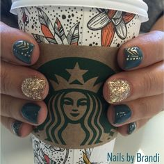My latest Musely find blew my mind: Fall Nail Colors - Best Nail Art Get Nails, Fancy Nails, Love Nails, How To Do Nails, Pretty Nails, Gold Sparkle Nails, Fall Nail Designs, Fall Pedicure Designs, Green Nail Designs