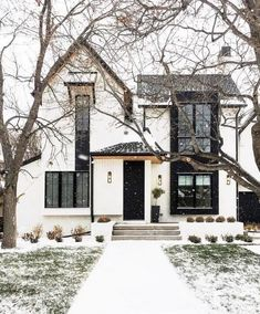 96 Beautiful Modern Farmhouse Exterior Design Ideas – Home Decor İdeas Modern Modern Farmhouse Exterior, Farmhouse Plans, Farmhouse Style, White Farmhouse, Farmhouse Design, Farmhouse Decor, Cottage House Plans, Cottage Homes, Casas Containers