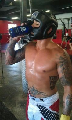 UFC Fighter drinks Kangen Water by Enagic Kangen Water Benefits, Health Benefits, Ufc, Health Coach, Athletes, Change, Drinking, Healing, Website