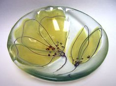fused glass, bowl, bent stringer or glass paint, frit - Wendy Newhofer ( interesting, light, ideas on her site )