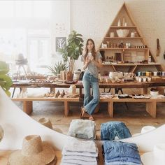 Vintage Hannah Henderson inside her bohemian inspired Venice Beach tastemaker General Store. - These maternal all-stars celebrate the beauty of life in stunning ways.