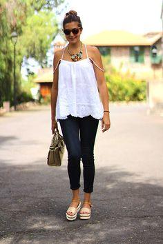 BASICS Blue jeans, white blouse, #jeans #blouse #white #streetstyle #ootd #mystyle #fashion #inspiration #moda #fashion #week #casual #chic #minimal https://www.youtube.com/watch?v=vCQDu6fCkEk&t=2s