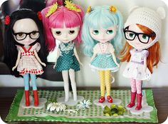 This is one of my favorite Blythe collections. (by miss elsie)