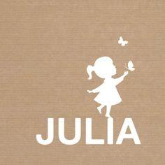 Kraft-look geboortekaartje met een silhouet van een meisje die balanceert op…