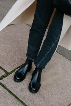 WINTER BOOTS — LOVE CLOTH Best Winter Boots, Black Winter Boots, Fall Winter, Winter Style, Winter Wardrobe, Back To Black, What I Wore, Daily Fashion, Character Shoes
