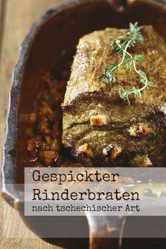 Deftig & saftig: Mit rohem Schinken gespickter Rinderbraten nach tschechischer Art | http://eatsmarter.de/rezepte/gespickter-rinderbraten-nach-tschechischer-art