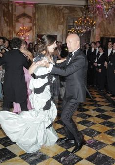 Bruce Willis cuts a rug with daughter Rumor at her debut ball.Hotel Crillion, Paris #yay #happyfather'sday #Budhagirl