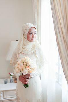 721278590a Trend baju muslim pengantin 2017 dengan model syar'i yang kita tampilkan  untuk kebutuhan kamu dalam mencari ide busana terbaik dan terbaru ditahun  ini.