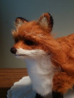 Needle-felted red fox.  How I wish I could do this sort of thing; it's amazing! | LaCharmour on Etsy