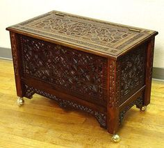 1850S GERMAN CHIP CARVED TRUNK