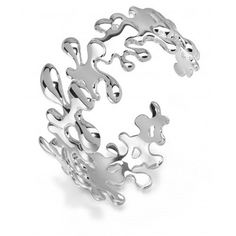 Award winning designer Lucy Q features intricately patterns that intertwine and tessellate around the wrist. This bangle/cuff features a hidden hinge accommodating different wrist sizes.  Striking and unusual a beautiful designer piece  The widest section measures 3.5 cm.  Diameter at widest point: 6.5cm