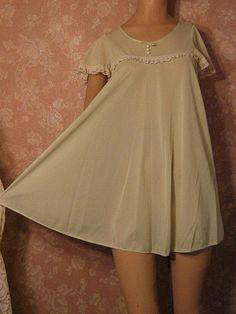 Vintage Nightgown Peignoir Robe Set Babydoll Mint Lorraine Dolly Tent Trapeze 1960's inspiration